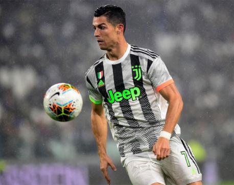 Ronaldo's controversial last-gasp penalty sinks 10-man Genoa