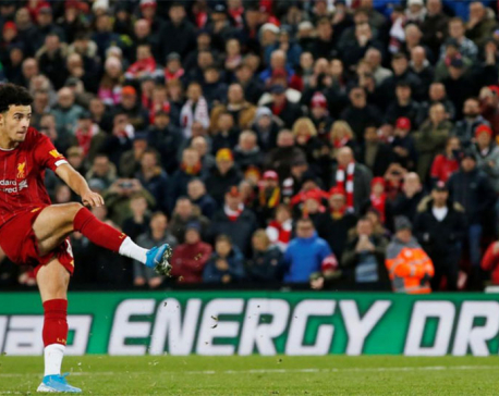 Liverpool edge Arsenal on penalties after 10-goal thriller