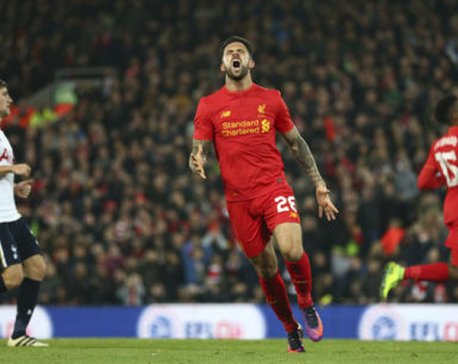 Liverpool striker Ings hurts knee, out for up to 9 months