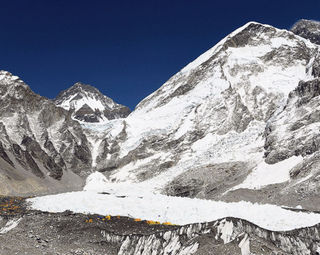 Photo Feature: Mountaineers, guides get ready for 2018 Everest-climbing season