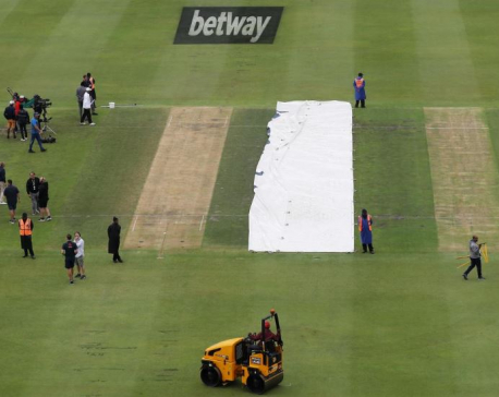 Record tailender stand sees England to 400 runs in first innings