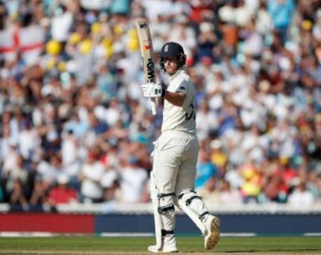Denly, Stokes stretch England's lead over Australia