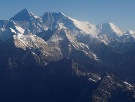 China cancels Everest spring climbing over coronavirus worries