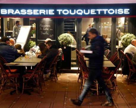 France closes shops, restaurants, tells people to stay home