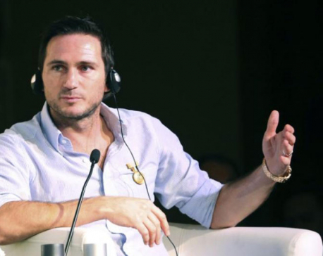 Lampard to stay in close contact with Chelsea