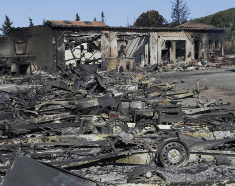 Fires force evacuation of 10,000 in 3 French Riviera towns