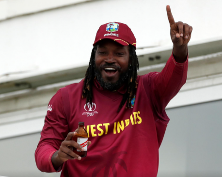 Chris Gayle becomes first batsman to hit 1,000 T20 sixes