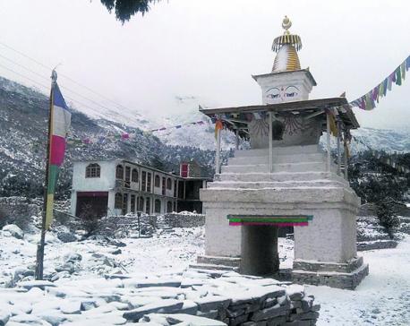Earthquake victims struggle amid severe cold