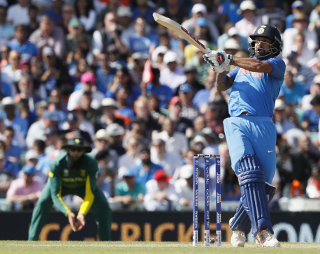 India reaches Champions Trophy semis after crushing SAfrica