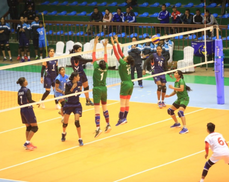 India thrashes B'desh, Nepal enters semis