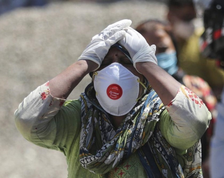 India records 320K cases as foreign help arrives