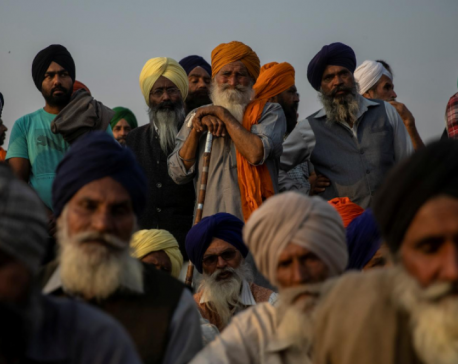 Farmers mass in Indian capital ahead of Republic Day protests