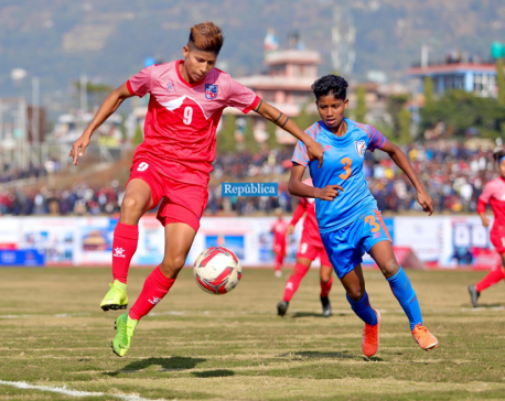 India takes lead in women's football finals