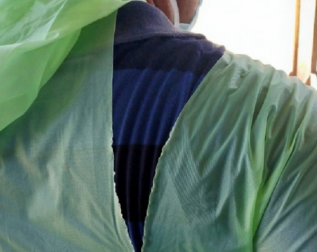 Indian doctors fight coronavirus with raincoats, helmets amid lack of equipment