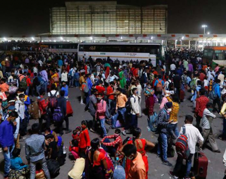 India reports record daily COVID-19 death toll, many cities in lockdown