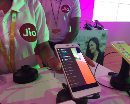 India's Reliance Jio racks up 100 million subscribers but ends freebies
