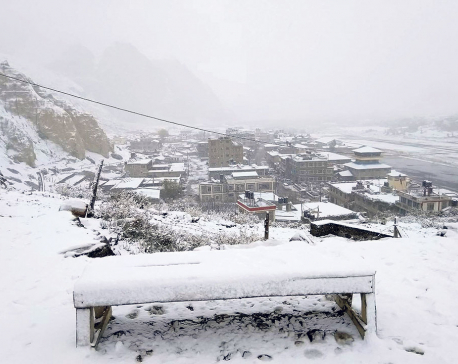 Heavy snowfall in Manang, Mustang; mercury dips to -6oC