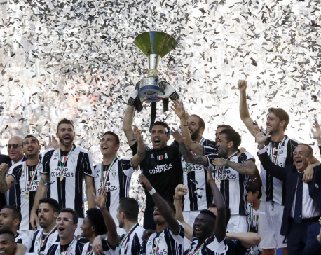 Juventus clinches record 6th straight Serie A title