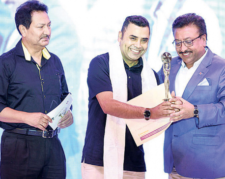 Purano Dunga, Chhakka Panja steal limelight in 5th NFDC award