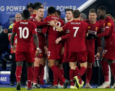 Firmino double as Liverpool crush Leicester to go 13 points clear