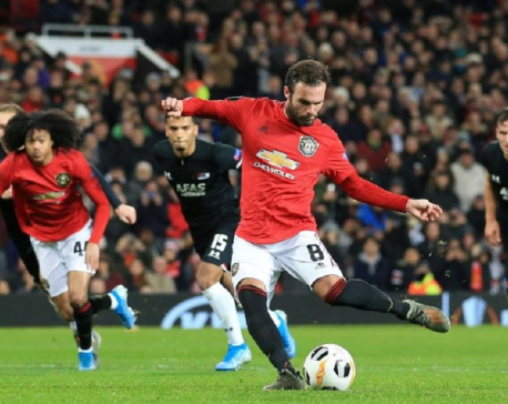 Man United thrash AZ, Basaksehir dump Moenchengladbach out of Europa League