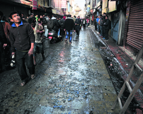 Banning street vendors helped to timely control fire on time