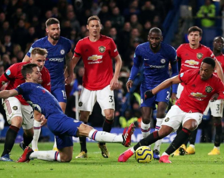 Manchester United win 2-0 at Chelsea amid VAR controversy