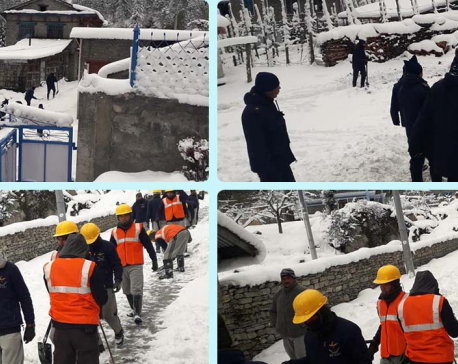 Security personnel mobilized to clear snow in Manang (photos)