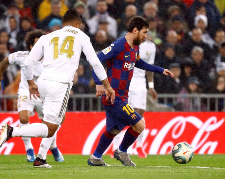 Barcelona and Real Madrid renew close-run title race