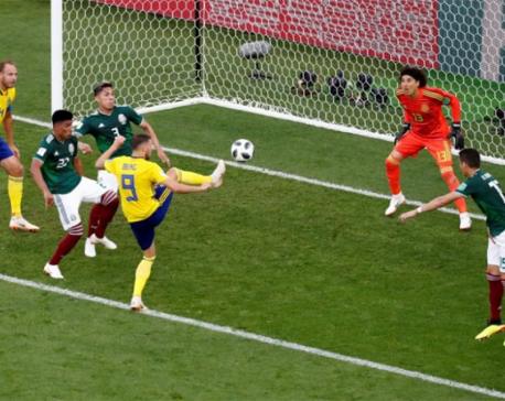 Swedes pummel Mexico but both advance over Germany