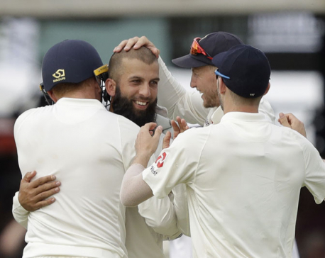Ali stars as England beats SAfrica by 211 runs in 1st test