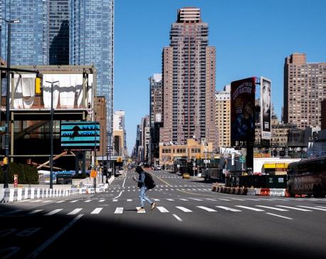 New York, Los Angeles shut bars, restaurants, world's central banks coordinate on coronavirus
