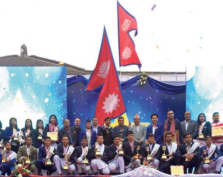Adhikari, Gurung win NNIPA awards