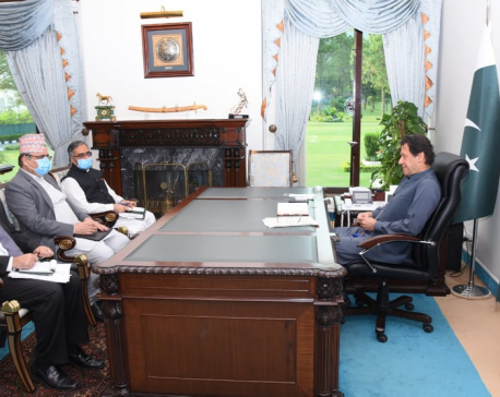 Nepali envoy pays a courtesy call on Pak PM Khan