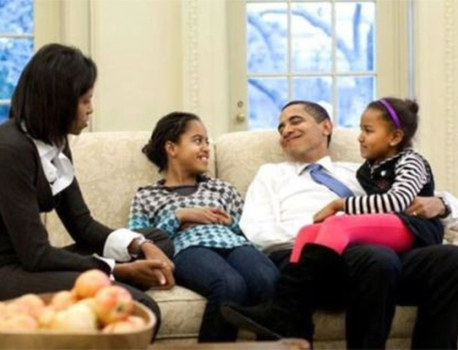 Obama Shares Heartfelt Facebook Message to Sasha and Malia