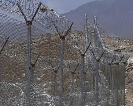Pakistan begins building border fence over Afghan objections