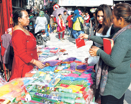 Festival of colors becomes boon for street vendors