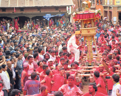 Vibrant Jyaa Punhi Jatra (photo feature)