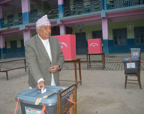 NC leader Poudel cast his vote in Tanahu