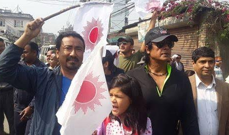 Actor Hamal participates in election campaign