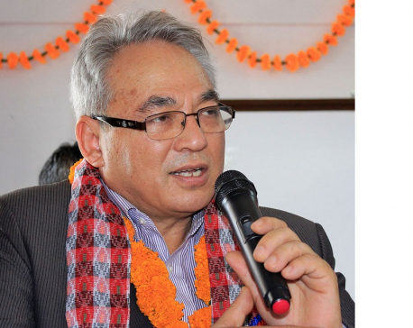 Leaders close to Home Minister Thapa say they won't stand by him if he supports PM Oli's move