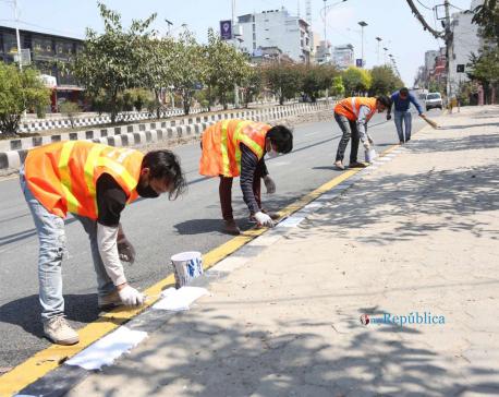 IN PICS: Utilizing lockdown period judiciously, DoR expedites road repair works in capital