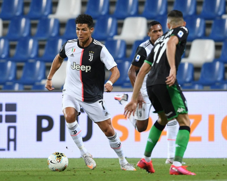 Ronaldo draws blank as jittery Juve held at Sassuolo