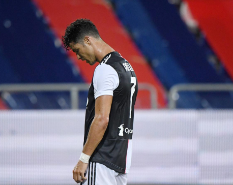 Juve lose to Cagliari as Ronaldo's Golden Boot hopes fade