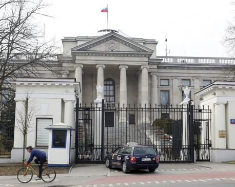 US expels 60 Russian diplomats, shutters Seattle consulate