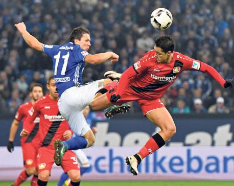 Gladbach breaks winless streak, Leverkusen beats Schalke