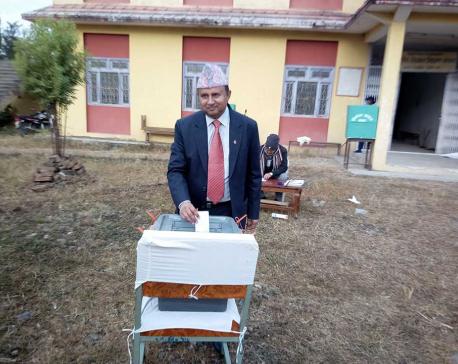 UML leader pokherel cast vote from Dang