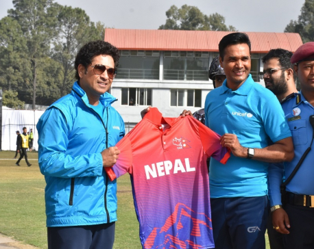 Tendulkar plays friendly cricket against team Das in Kathmandu (with photos)