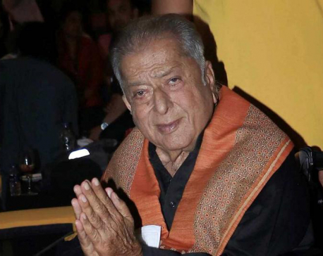 Veteran bollywood actor Shashi Kapoor dies at 79