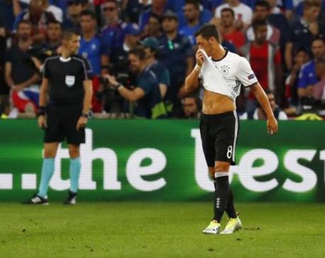 Germany's Ozil still doubtful for Azerbaijan qualifier - Loew